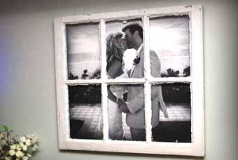 романтичная фотография на стене