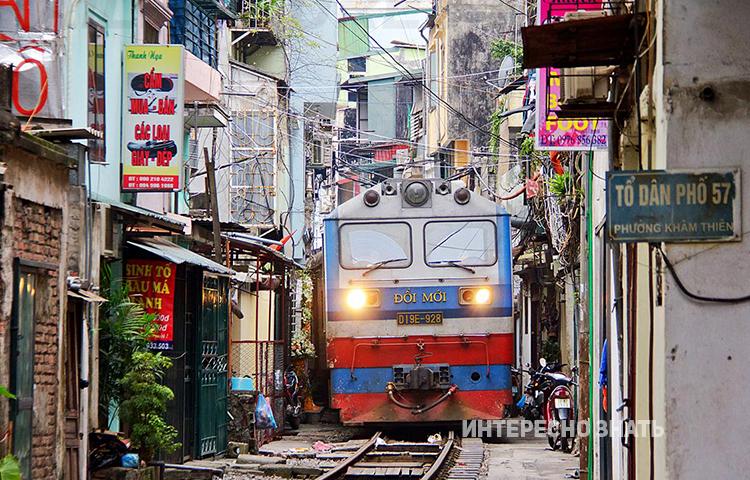 7 поездов, которые проходят через самые необычные места