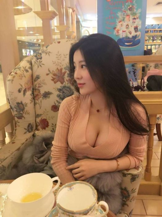 Симпатичные красавицы из Азии (41 фото)