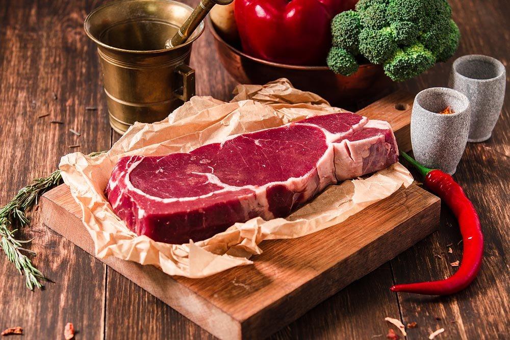 Почему красное мясо вредно для пожилых