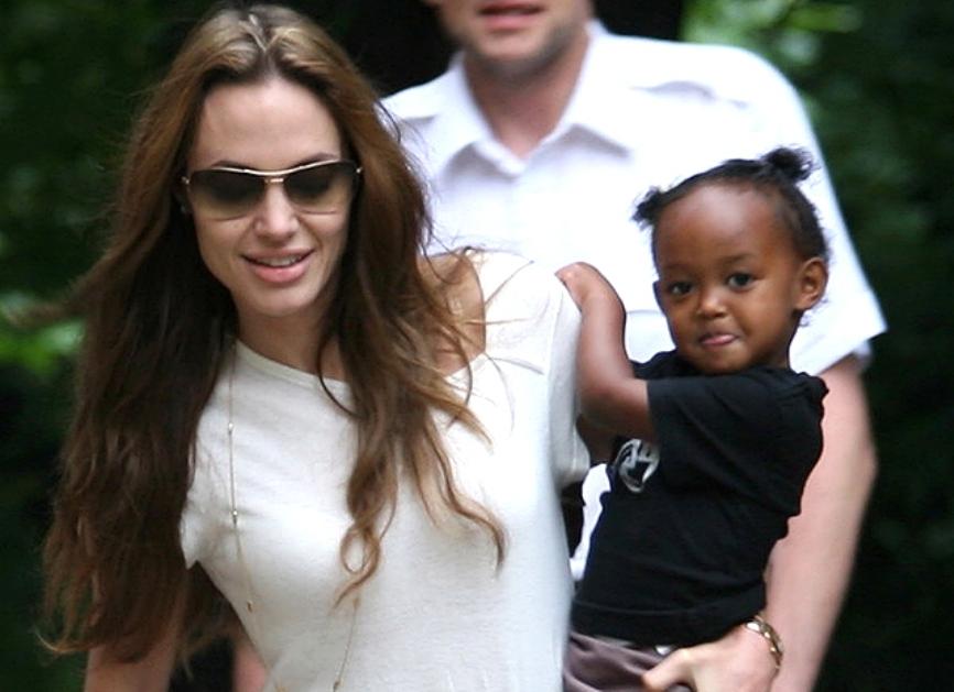 Биологическая мать приемной дочери Джоли умоляет о встрече с ребенком
