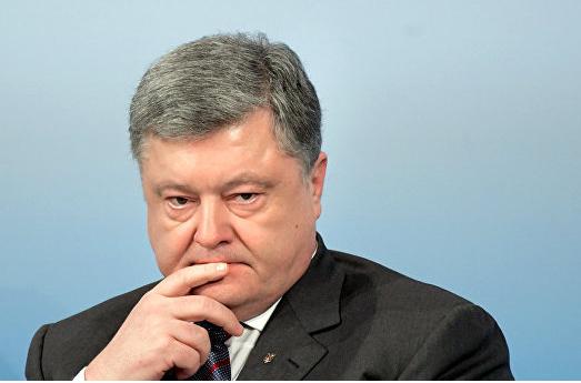 Петицию за импичмент Порошенко подписали более ста тысяч человек