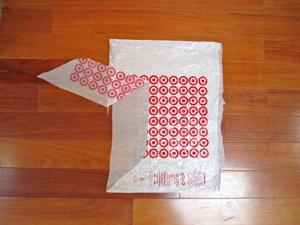 Корзина из пластиковых пакетов — идеально для дачи