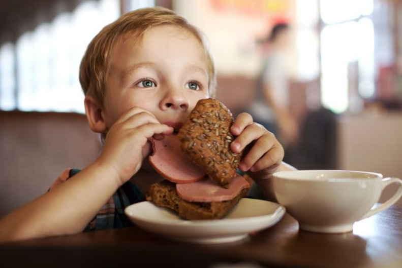 3 самых вредных продукта, от которых стоит отказаться: рассказывает врач-диетолог. Просто и доступно о вредном, особенно детям!