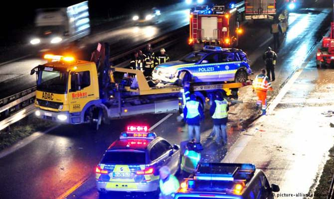 В Германии арестовали украинца, который на фуре протаранил полицейское авто