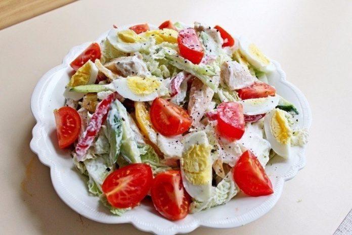 Салат с куриной грудкой «наслаждение». Легкость и бесподобный вкус вам обеспечены!