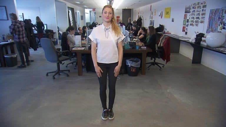 Она ходит на работу в одной и той же одежде круглый год! И вот почему!