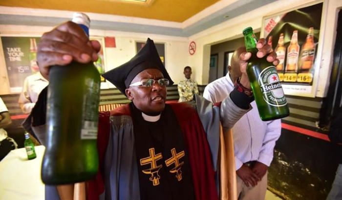 Церковь Габола в ЮАР: здесь можно молиться и пить алкоголь одновременно