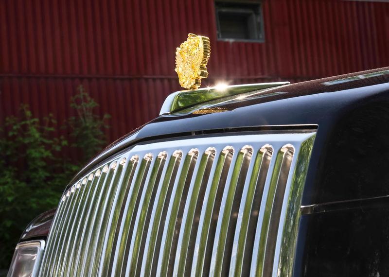 Охранники Путина тестируют новые автомобили президента