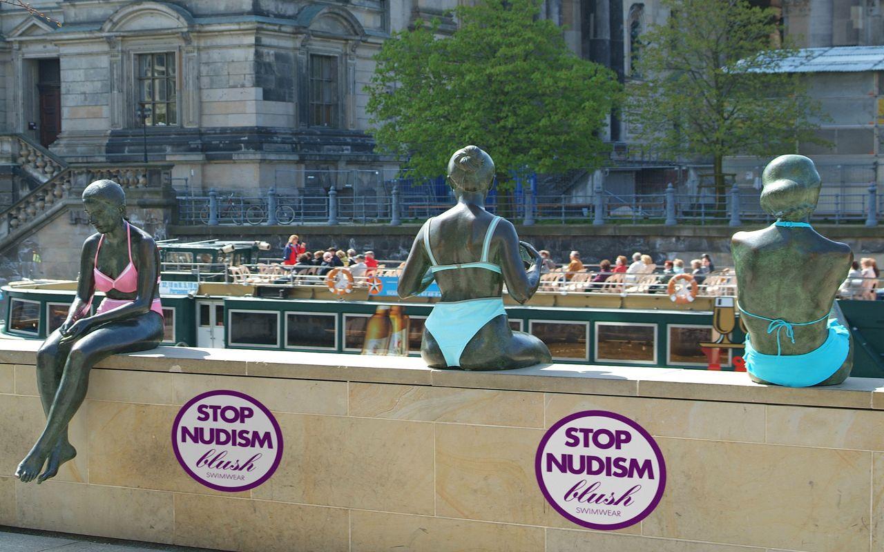 протест против нудизма