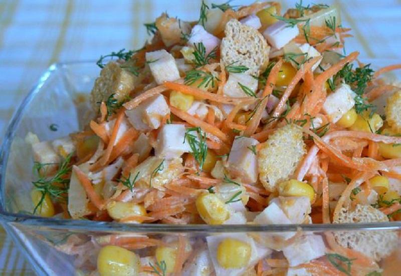 Питательный салат «Карусель»: беспроигрышный вариант на праздничном столе!