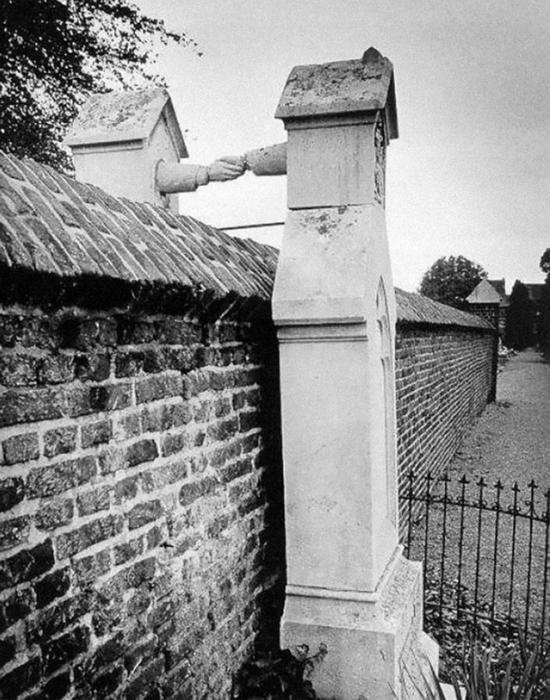 Могилы мужа-протестанта и жены-католички.