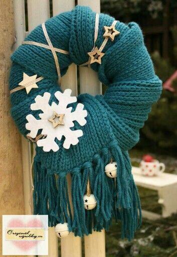 Новогодние венки из шарфов