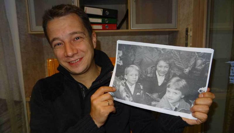 Француженка купила на барахолке советский фотоаппарат и чудом нашла школьника, запечатленного на пленке