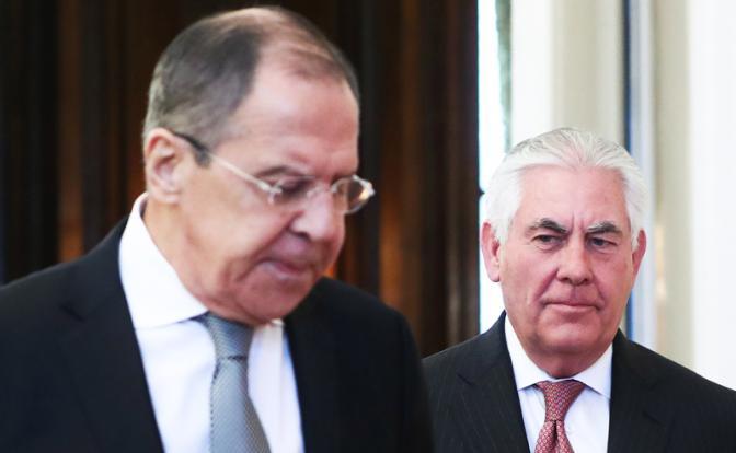 Пол Робертс: «Вымаливая милость у США, Кремль толкает страну к войне»