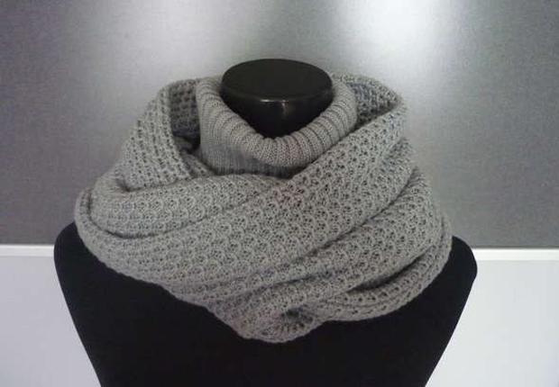 Необычный шарф-капюшон с воротом