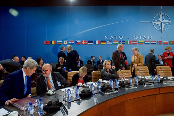 Старикам здесь не место: Европа испугалась планов Трампа по НАТО