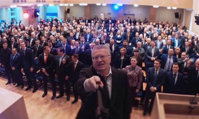 10 тысяч селфи Жириновского: психологи подозревают психическое расстройство