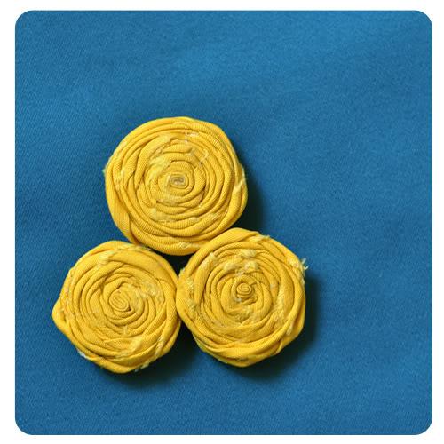 http://podarok-svoimi-rukami.ru/wp-content/uploads/2012/02/rolledflowers1.jpg