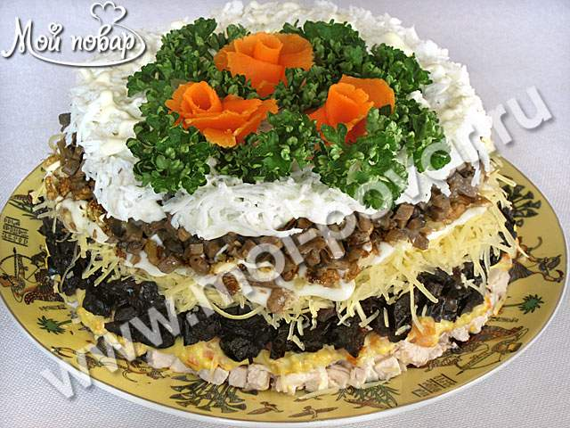 Салат новогодний с черносливом рецепт с фото