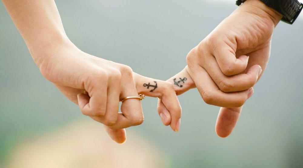 Не идеальных любят, а любят …
