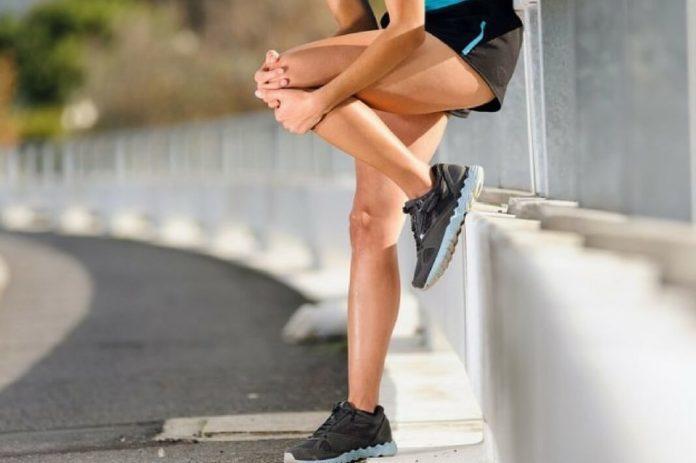 Как проводить тренировки с больными коленями?