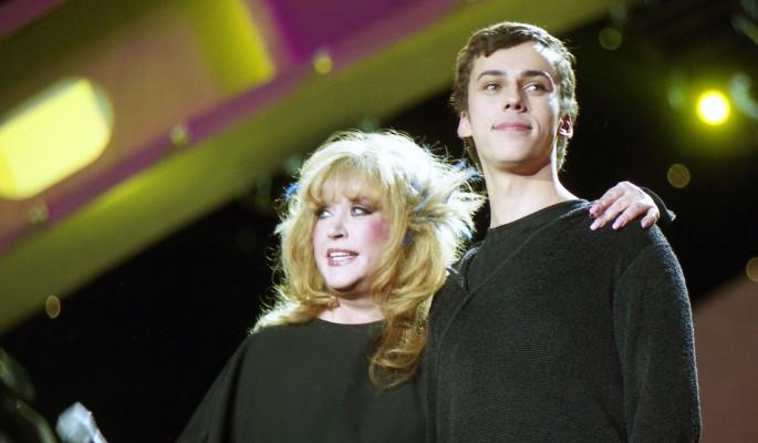 Венчанием с Галкиным Пугачева гасит грязный гей-скандал