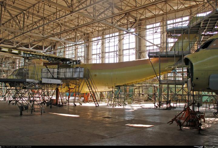 На Украине планируют восстановить производство самолетов Ан-74