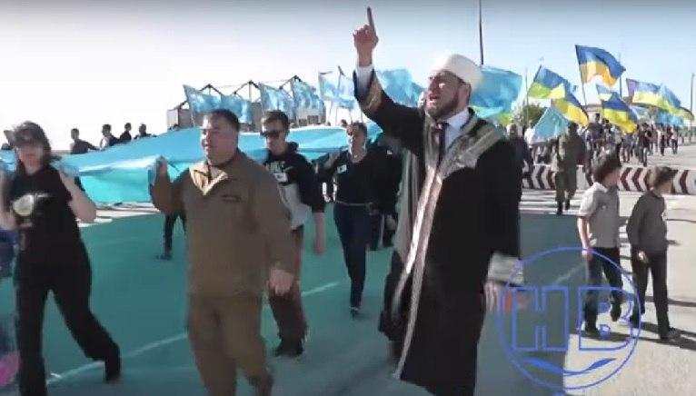 Украинцы и татары устроили новое шоу на границе с Крымом