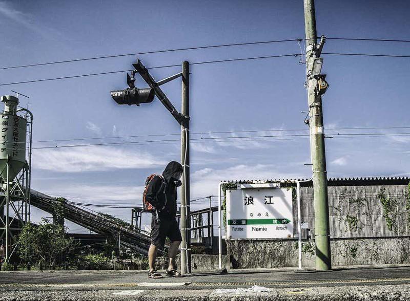 Рельсы в никуда зона отчуждения, радиоактивная зона, фото, фукусима, япония
