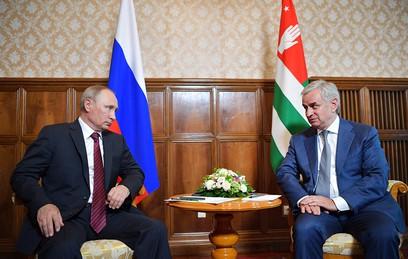 Путин пообещал гарантировать безопасность и независимость Абхазии
