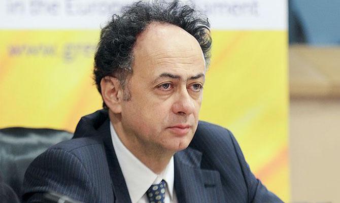 Посол ЕС заявил украинцам,что им следует бояться России и коррупции