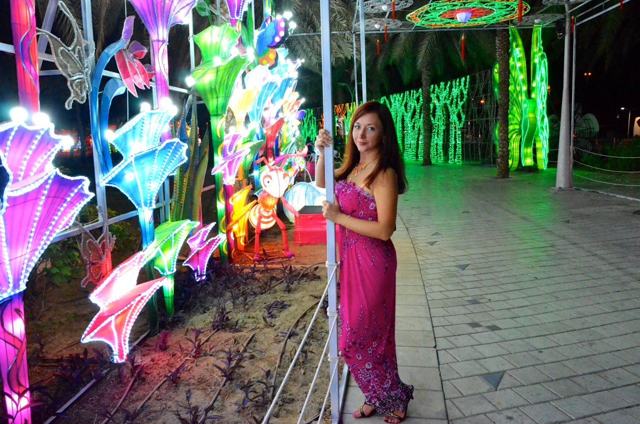 Dubai Garden Glow и я. Фото)
