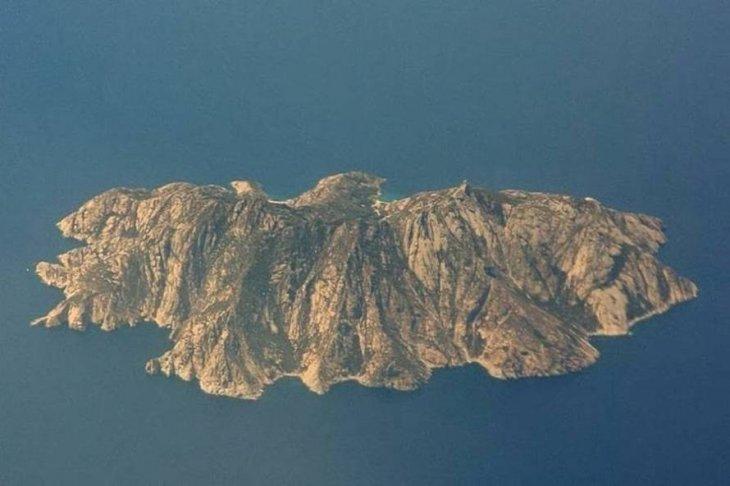 Таинственный остров графа Монте-Кристо