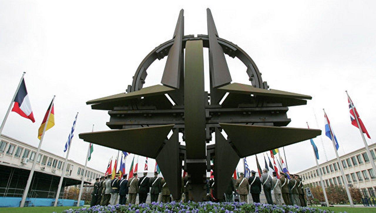 «Гореть» на работе, или Расширение НАТО на Брюссель
