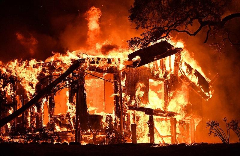 20 фото, демонстрирующие ужасающие последствия лесных пожаров в Калифорнии