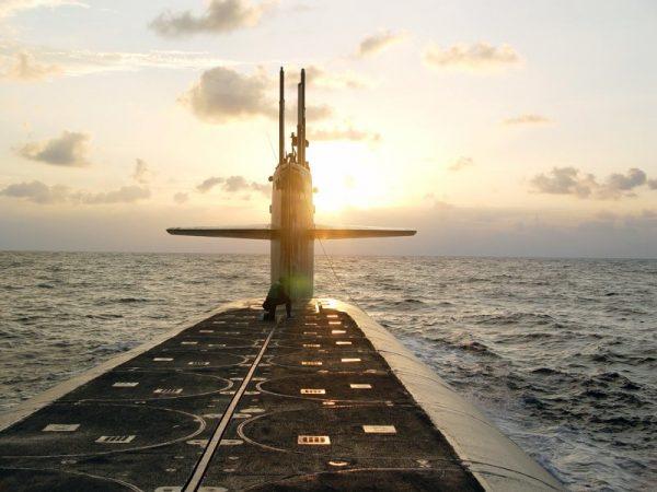 Позор ВМС США: от американских подлодок отрываются целые куски стелс-обшивки