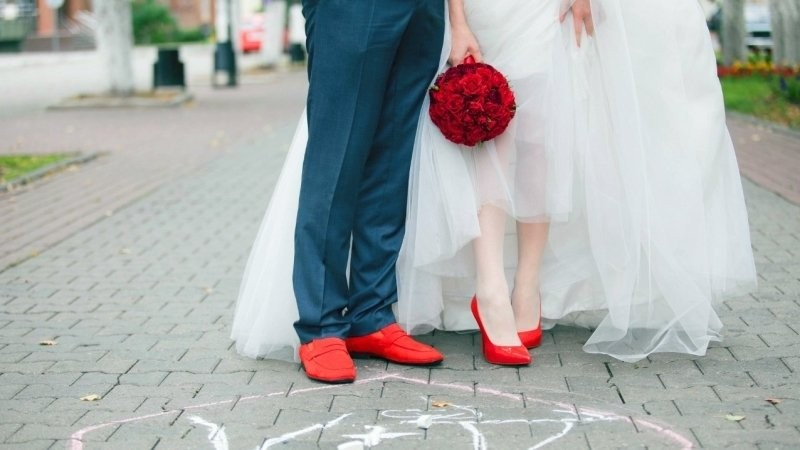 Пара из Японии взорвала Интернет свадебной фотосъемкой в стиле блокбастеров