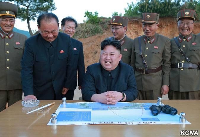 """Ким Чен Ын оценил ракетный пуск на """"100 баллов"""""""