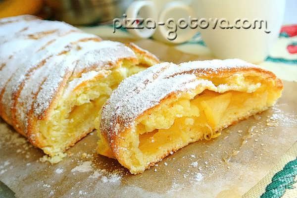 Пирог с творогом и яблоками с