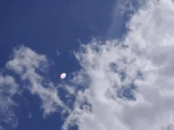 летающие белые точки на видео что это