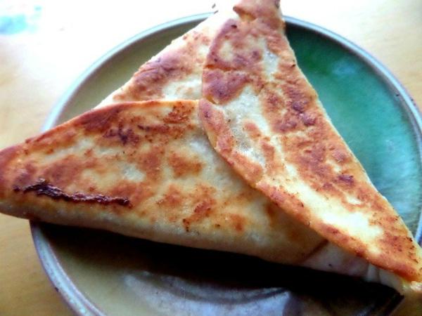 Ёка — армянская закуска из лаваша: вызывает мгновенное привыкание!