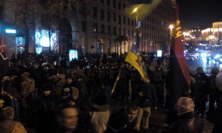 Националисты рассказали подробности драки с полицией на Грушевского: Грозят отомстить Порошенко