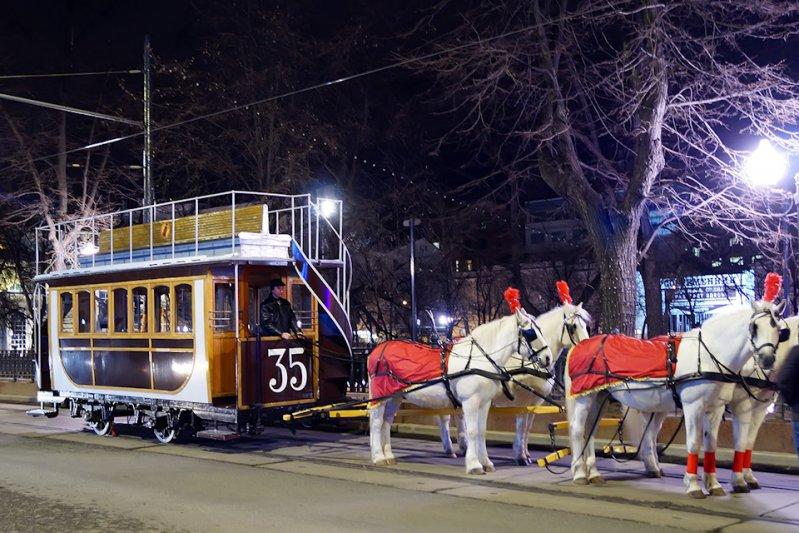 Ретро-трамваи в ночной Москве