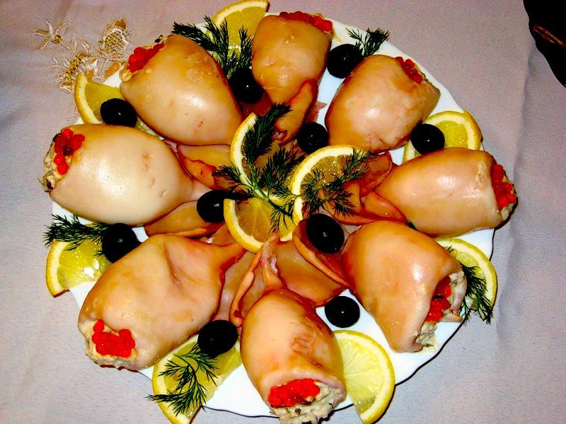 Как правильно приготовить фаршированные кальмары