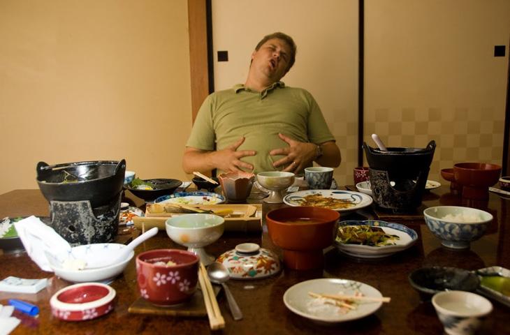 После еды хочется спать: почему? Причины. Как от побороть чувство сонливости после приема пищи
