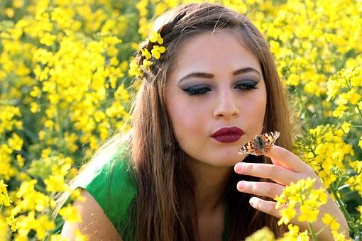 Девушка, Бабочка, Лагерь, Цветы, Желтый