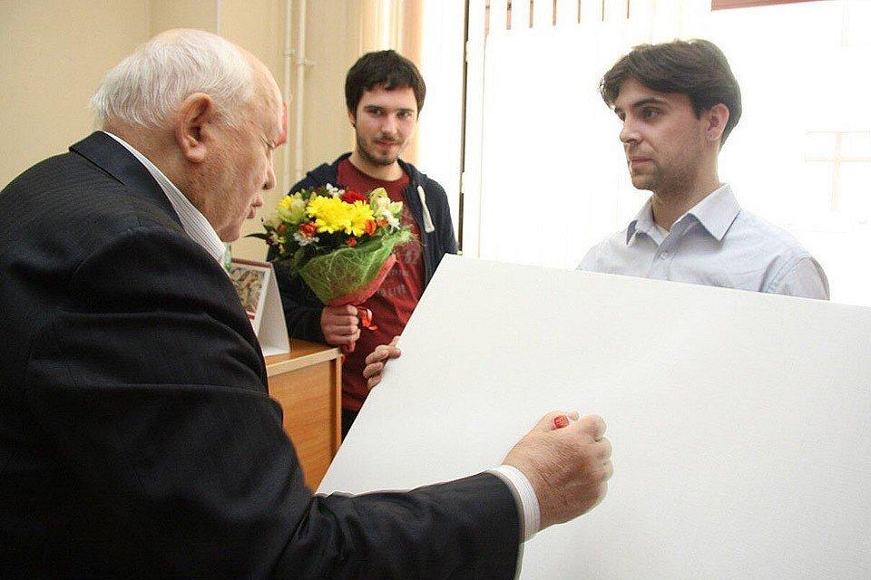 «ПРОСТИТЕ»: Автограф Горбаче…