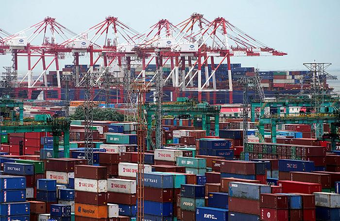 Китай закрывает свой рынок для американских товаров