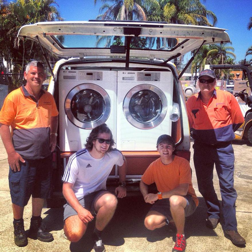 Orange Sky — мобильная прачечная для бездомных в Австралии